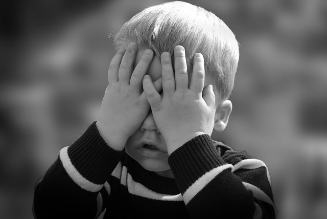 Можно ли поменять фамилию ребенку без согласия отца?