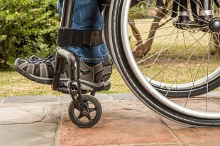 Отказ в обслуживании пенсионеру или инвалиду может обернуться штрафом в полмиллиона рублей