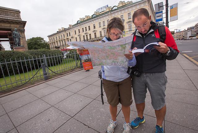 Иностранцы теперь могут въезжать в Санкт-Петербург и Ленинградскую область по электронным визам