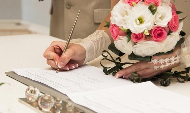 Каков минимальный возраст вступления в брак в России?